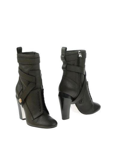 Fendi Ankle Boots In Black