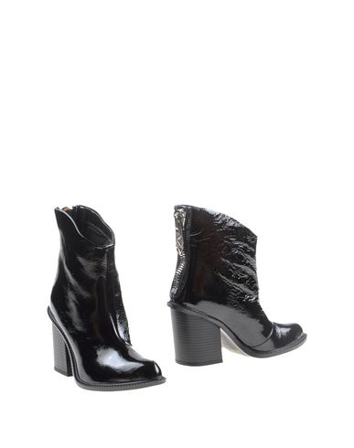 Diesel Ankle Boot In Black