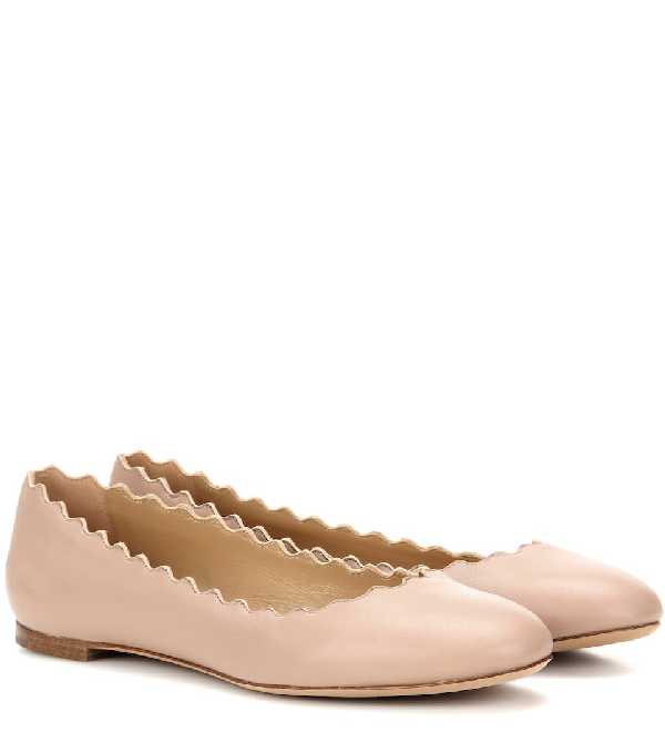Chloé Lauren Scalloped Leather Ballet Flats In Beige