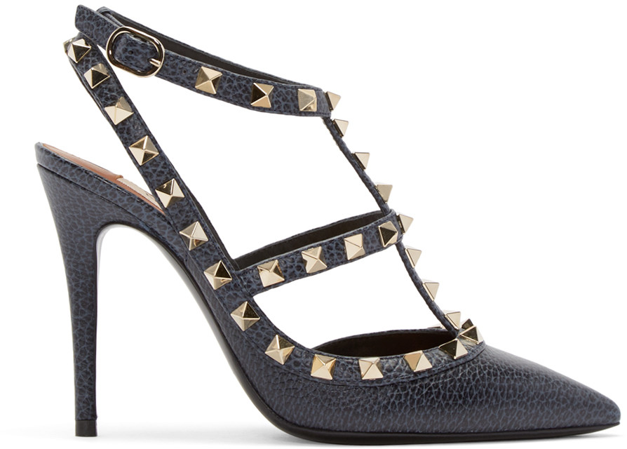 Valentino Pebbled Leather Rockstud Sandal, Deep Denim In Blue