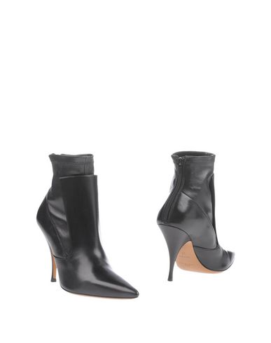 GIVENCHY Ankle boot,11213726BL 12