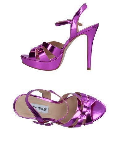 7b96c6908ba Sandals in Fuchsia