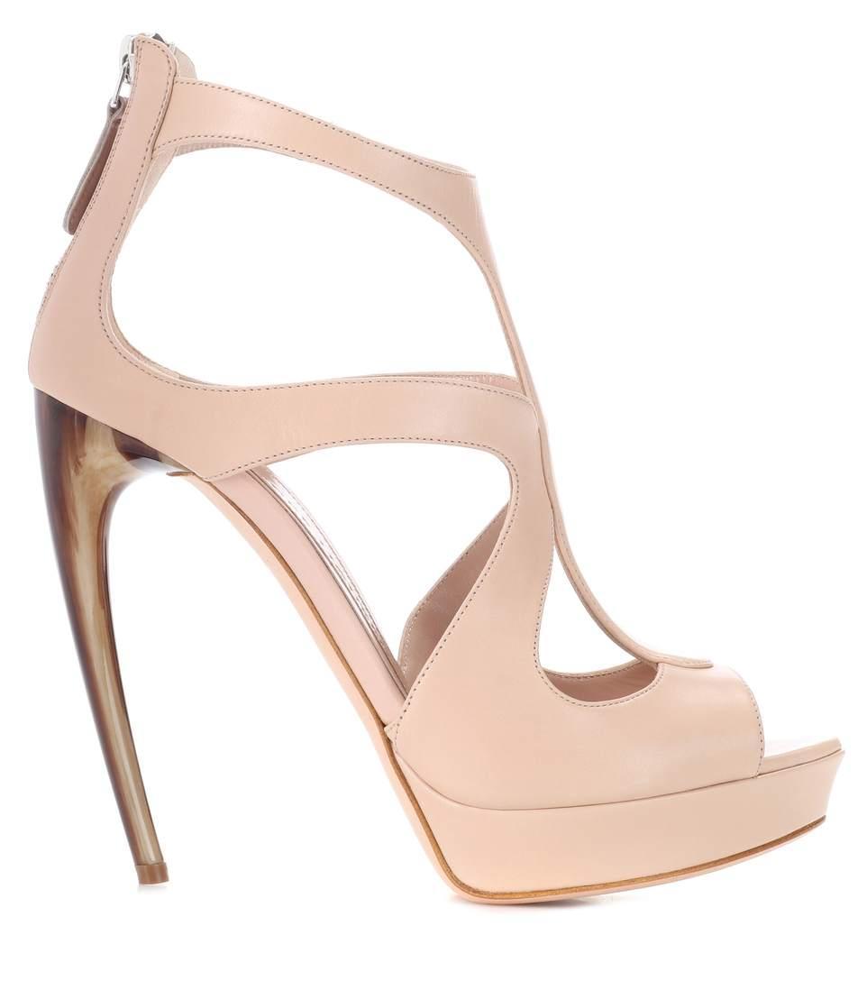 ALEXANDER MCQUEEN Curved horn-heel leather sandals,P00302647