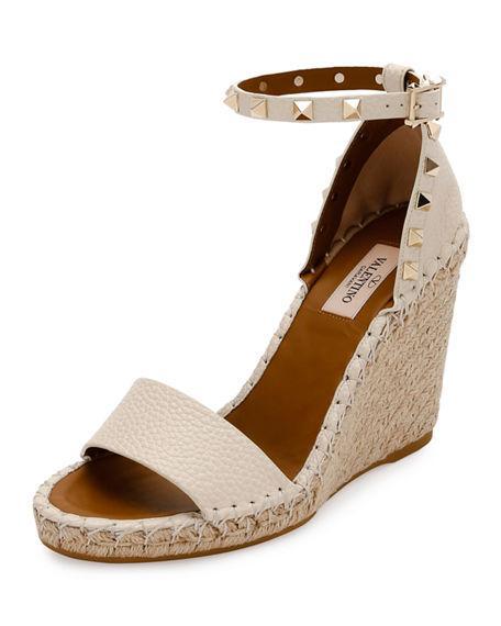 608e57699e7 Valentino Grain Calfskin Leather Rockstud Double Wedge Sandal 95Mm In Light  Ivory
