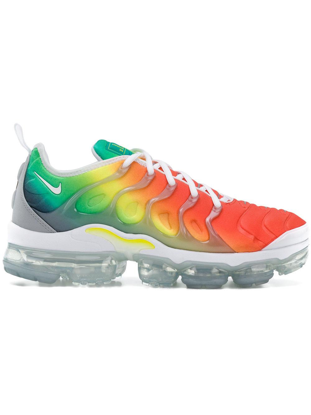 2122fde9d5efb Nike Air Vapormax Plus Sneakers In Multicolour