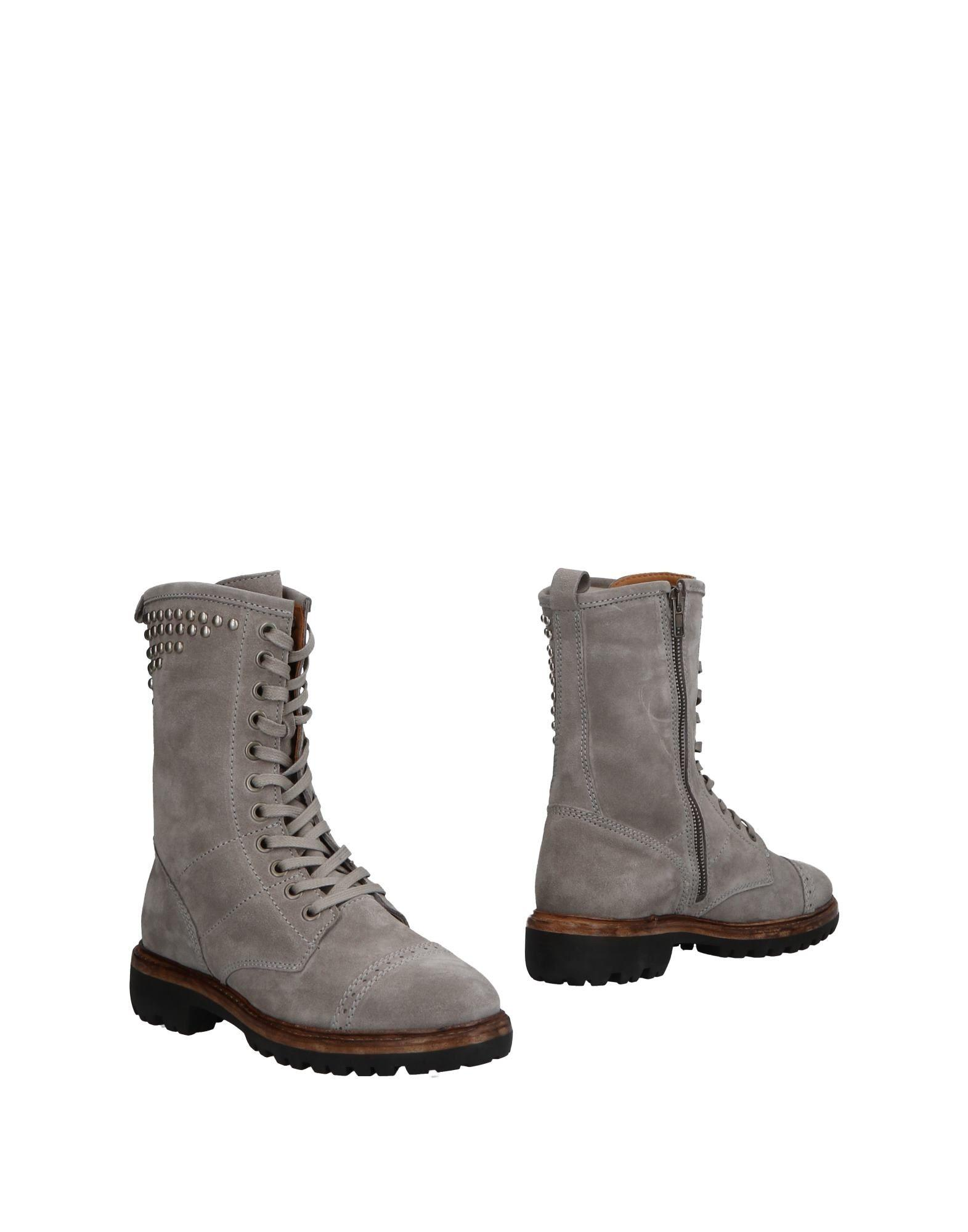 best sneakers b8329 98a5e Ankle Boot in Light Grey