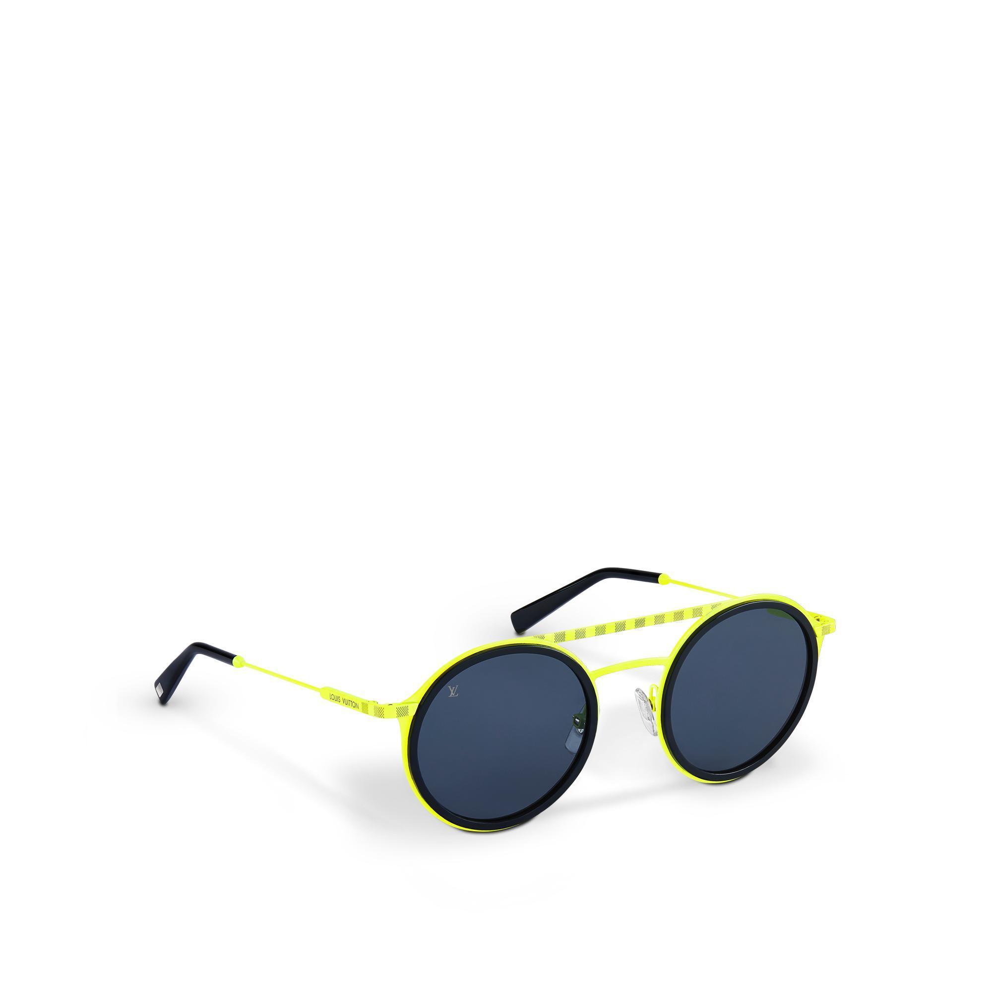 2d5e4cf16c2 Louis Vuitton Damier Shuffle | ModeSens