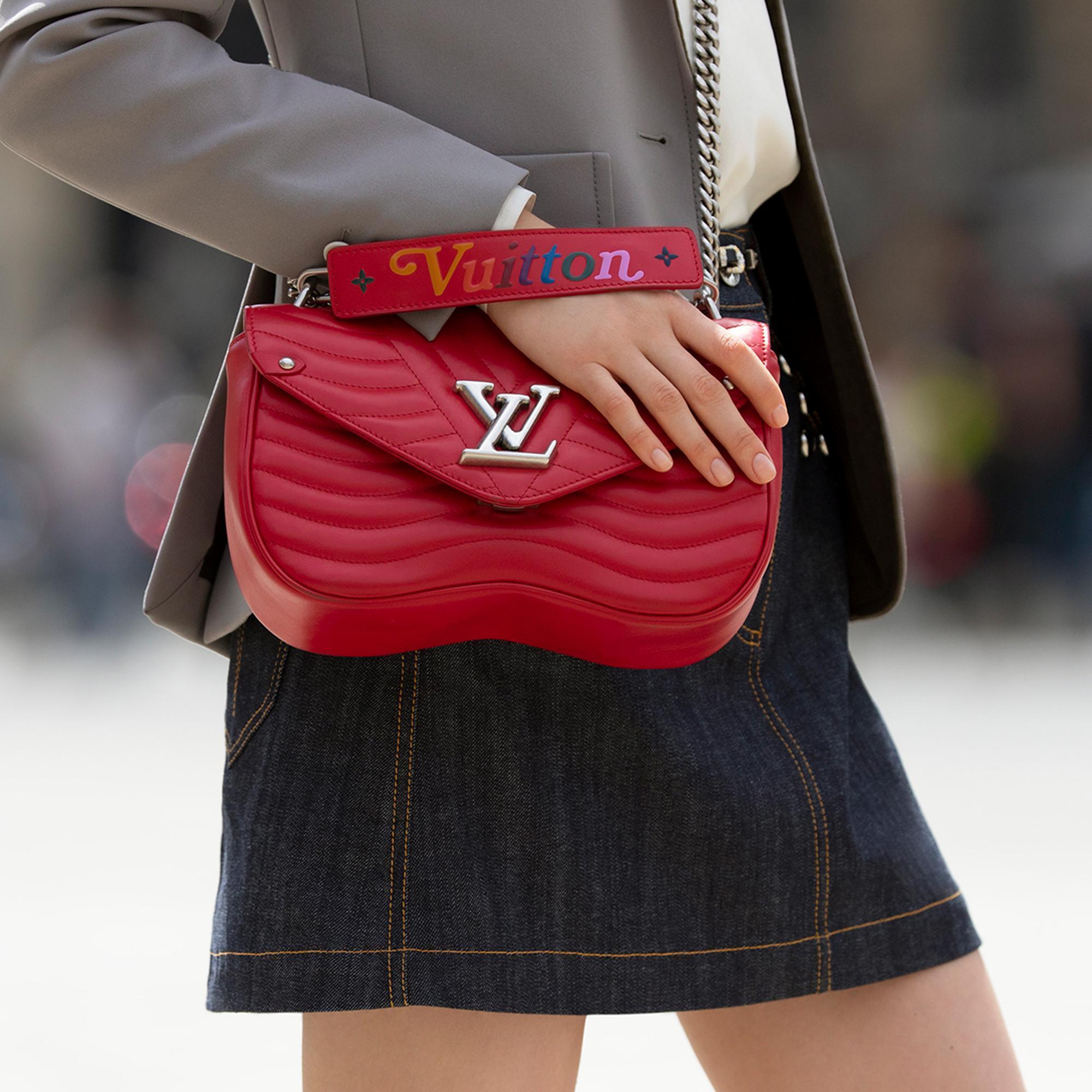 6c319dccfa51 Louis Vuitton New Wave Chain Bag Pm In Ecarlate