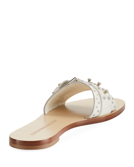 Alexander Mcqueen Leather Embellished Flat Sandal In White/Silver
