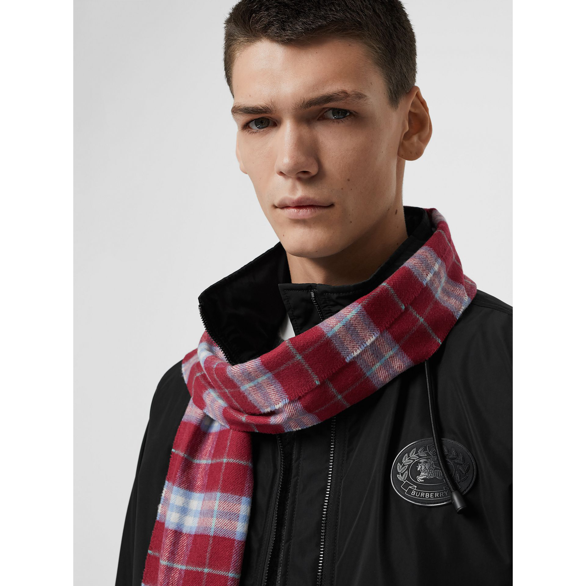 755eae7f4bde Burberry The Classic Vintage Check Cashmere Scarf In Damson Pink ...
