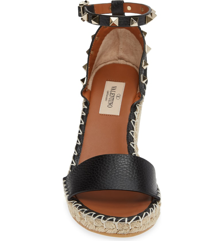4c8a0eb0872 Valentino Grain Calfskin Leather Rockstud Double Wedge Sandal 95Mm In Black