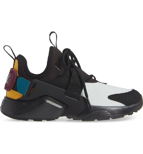 0c023084f5a77 Nike Women s Air Huarache City Low Casual Shoes