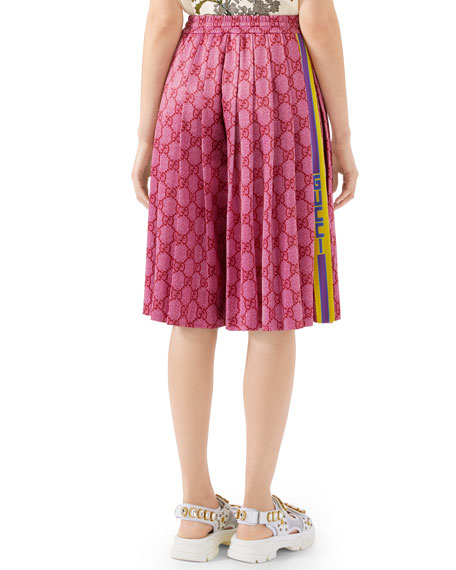 05ada4b1ad Logo-Print Pleated Wide-Leg Technical Jersey Shorts in Pink