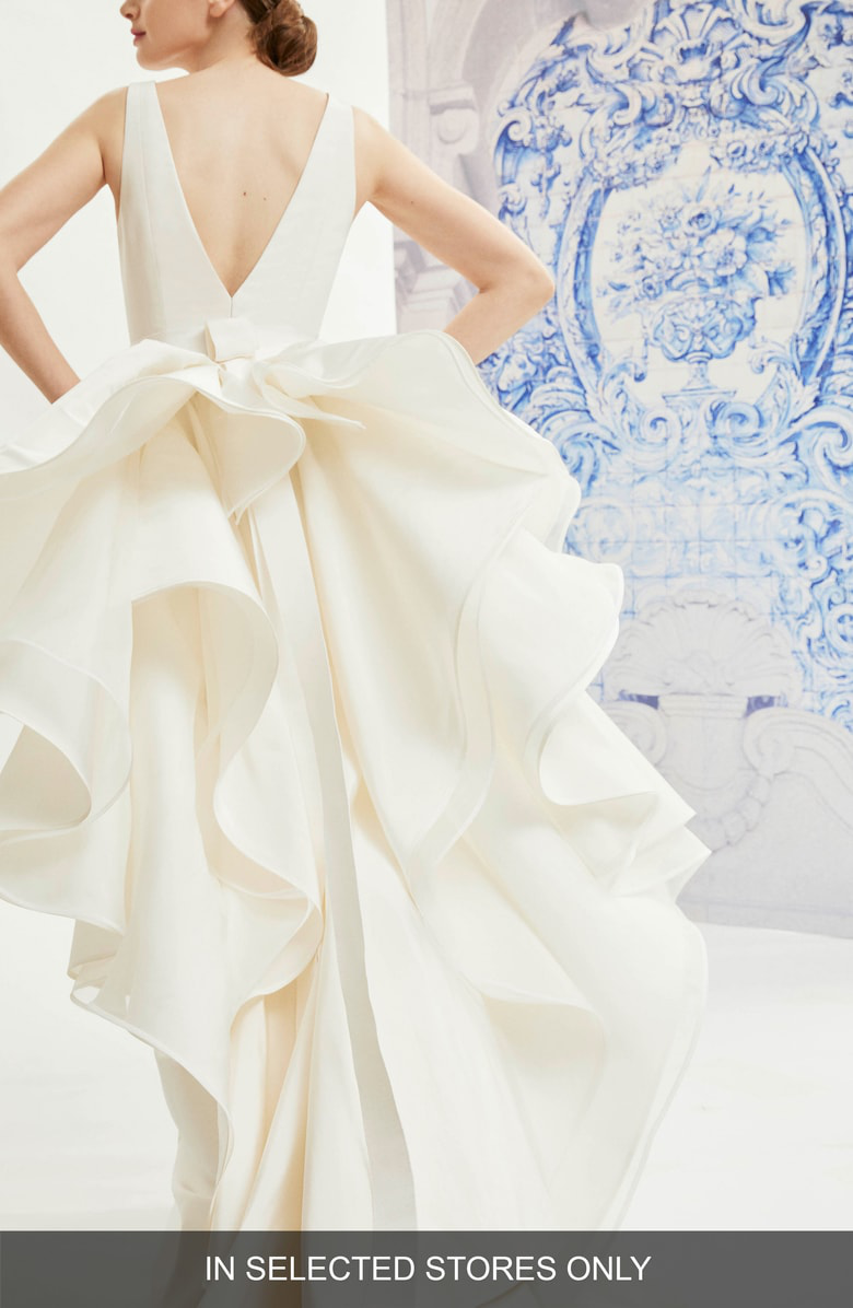 Carolina Herrera Idelle V Neck Organza Back Silk Wedding Dress In
