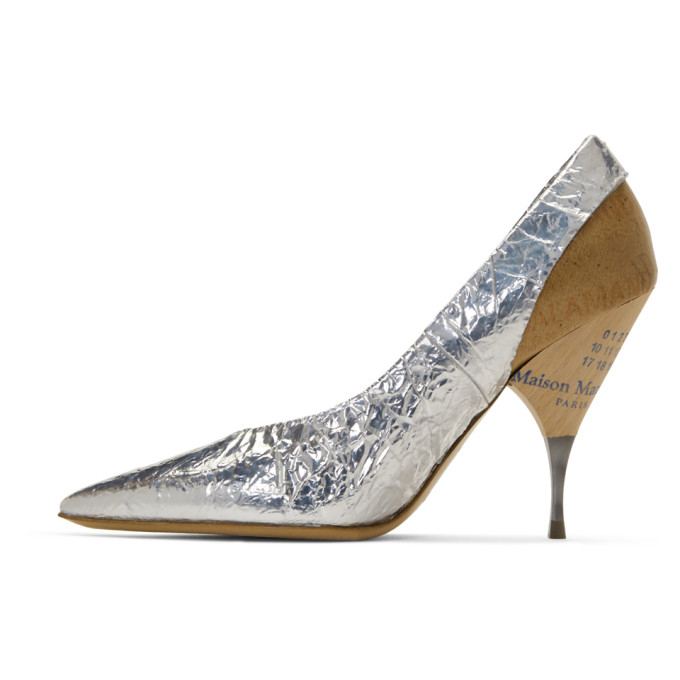 5ad8fcb01a2 Maison Margiela Deconstruct Crinkled Metallic Pumps In Silver