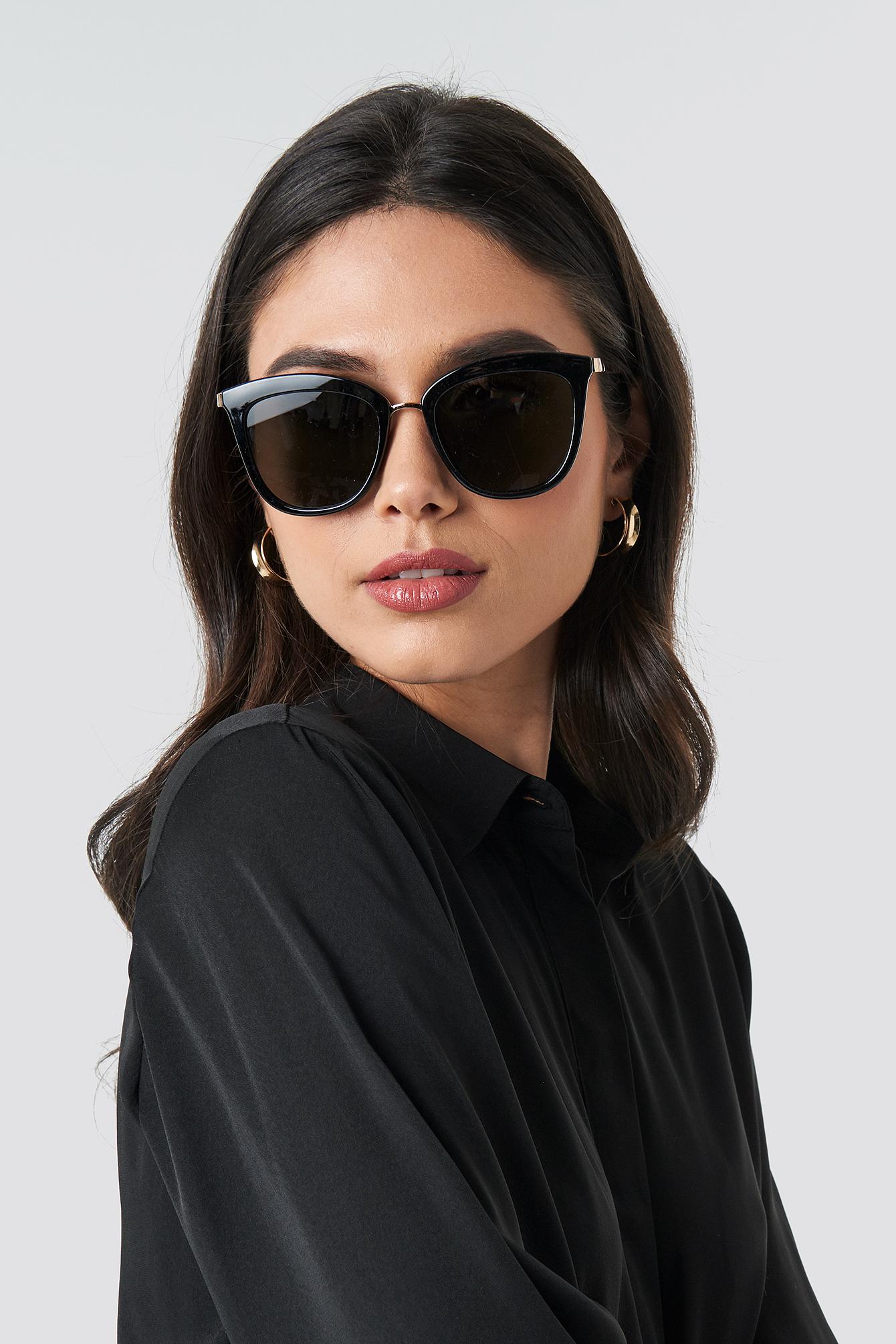 69302240e5 Le Specs Caliente - Black