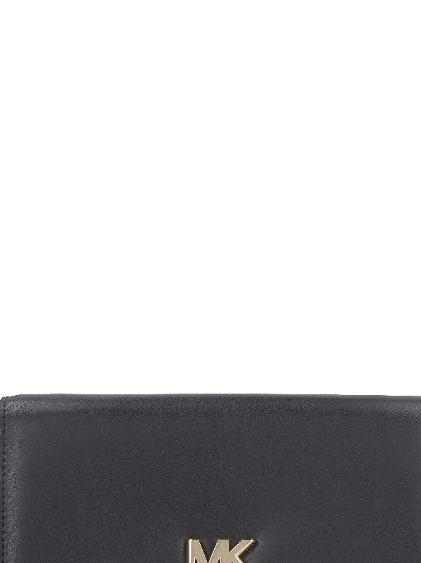 2d9c8feeb1b2 Michael Kors Mott Leather Wallet On Chain In Black. Italist.com