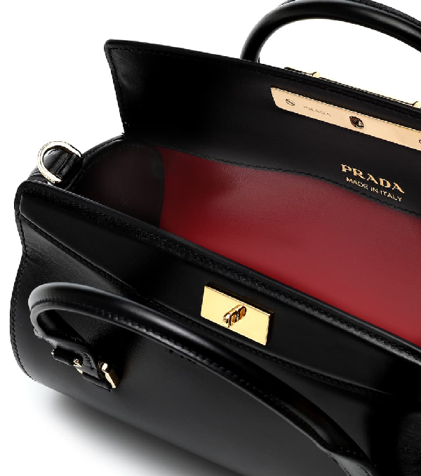 6870d81ee8 Sybille Leather Shoulder Bag in Black