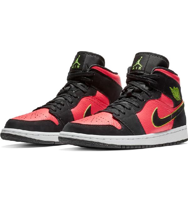 4525c1bb886d Nike Women's Air Jordan 1 Mid Se Casual Shoes, Black | ModeSens