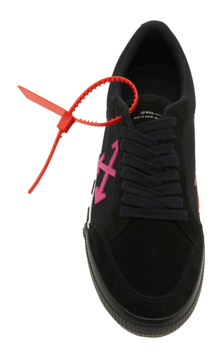 Off-White Vulc Striped Low-Top Canvas Trainers In 1028 Black Fuchsia