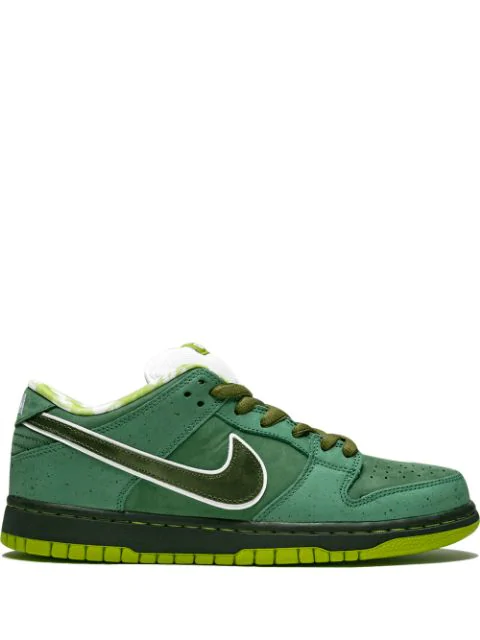 new products 4ddd8 89f4e Sb Dunk Low Pro Og Qs Sneakers in Green