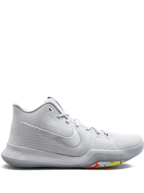 official photos 689fc 895bf Kyrie 3 Ts Sneakers in White