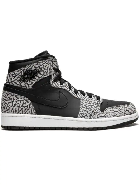 hot sale online b4c94 bcecb 1 Retro High Sneakers in Black