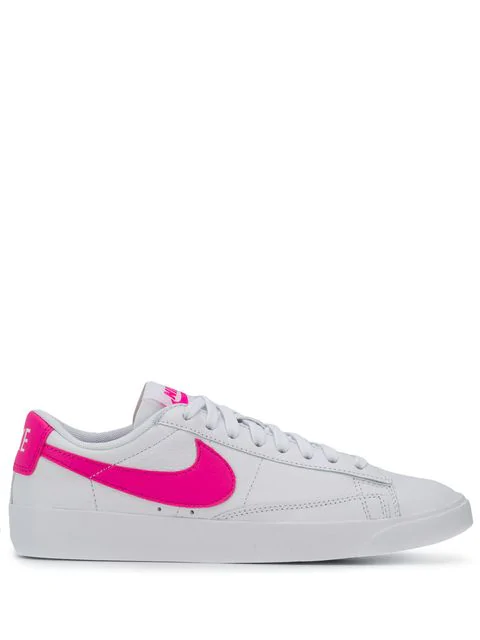 brand new 40553 8bde8 Nike Blazer Low Le Sneakers in White