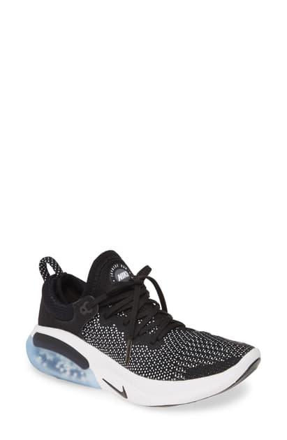 Joyride Run Flyknit Running Shoe in Black Black White
