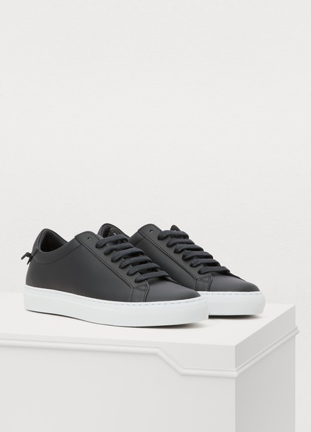 Givenchy Urban Street Leather Low Sneakers In 001 Black