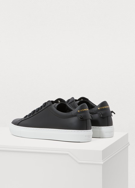 Givenchy Urban Street Leather Low Sneakers In Black