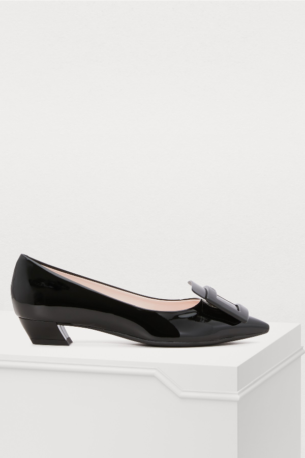 Roger Vivier Gomette Buckle Patent Leather Courts In Black