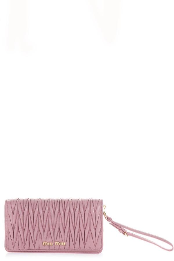 891961763dcb Miu Miu Matelassé Wrist Strap Clutch Bag In Pink
