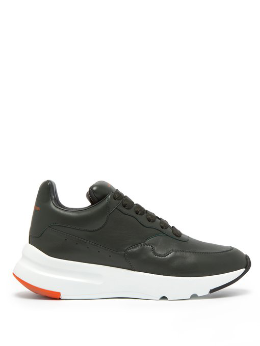 Alexander Mcqueen Runner Raised-sole Low-top Leather Trainers In Grey