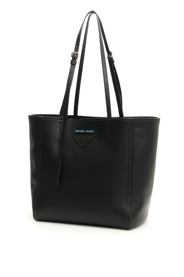 Prada Logo Tote Bag In Black