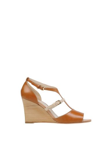 Tod's Sandals In Camel