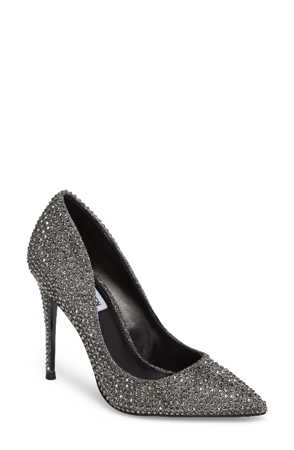 870a8ca1d99 ... detailing to a must-have pump styled with a curvy low topline for  leg-lengthening drama. Style Name  Steve Madden Daisie Pointy-Toe Pump  (Women).