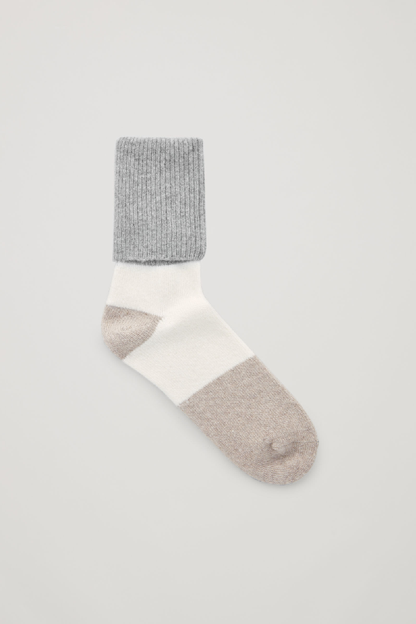 Cos Colour-block Wool-cashmere Socks In Grey