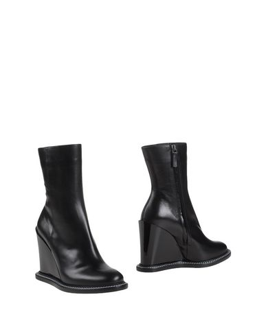 Jil Sander Ankle Boot In Black