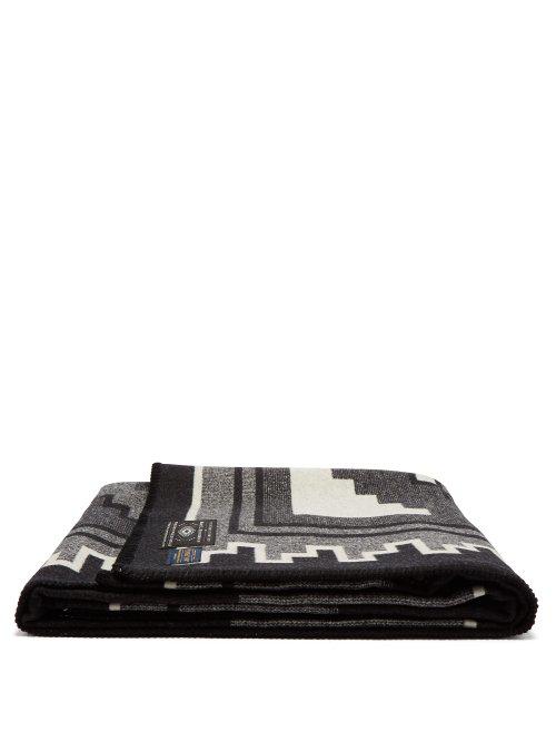 Pendleton - Mary Henderson Weavers Series Wool Blend Blanket - White Black