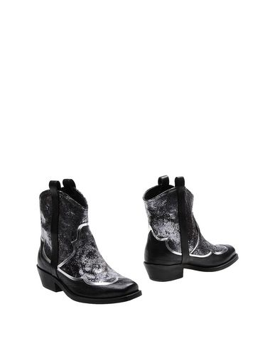 Rupert Sanderson Ankle Boot In Silver