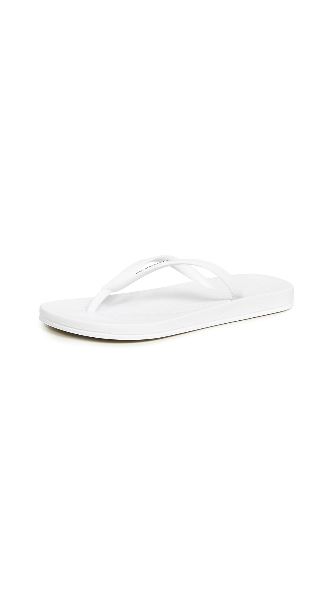 Ipanema Ana Tan Flip Flops In White  Modesens-8283
