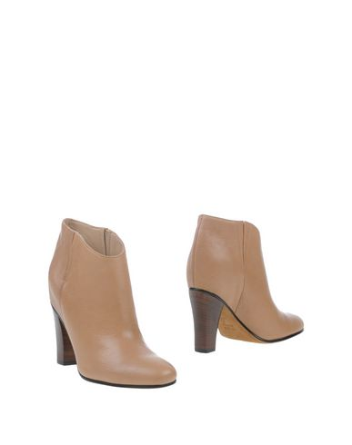 Golden Goose Ankle Boot In Sand