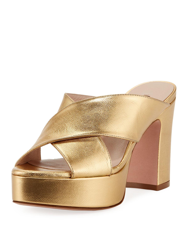 9099ab5d3442 Stuart Weitzman Teddy Patent Platform Sandals In Gold
