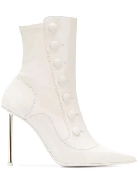 Alexander Mcqueen Embellished Leather Ankle Boots In 9268 Ivoire