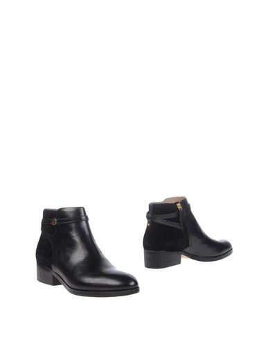 Tory Burch Ankle Boot In Black