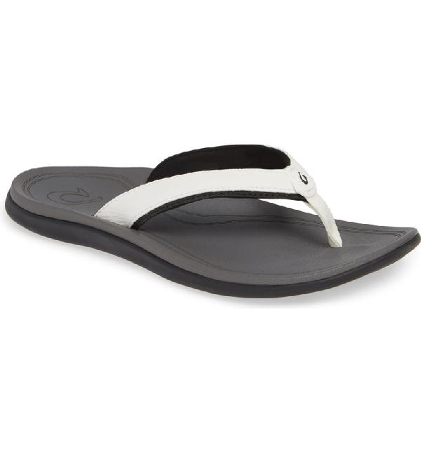 Olukai Punua Flip Flop In White/ Charcoal Fabric