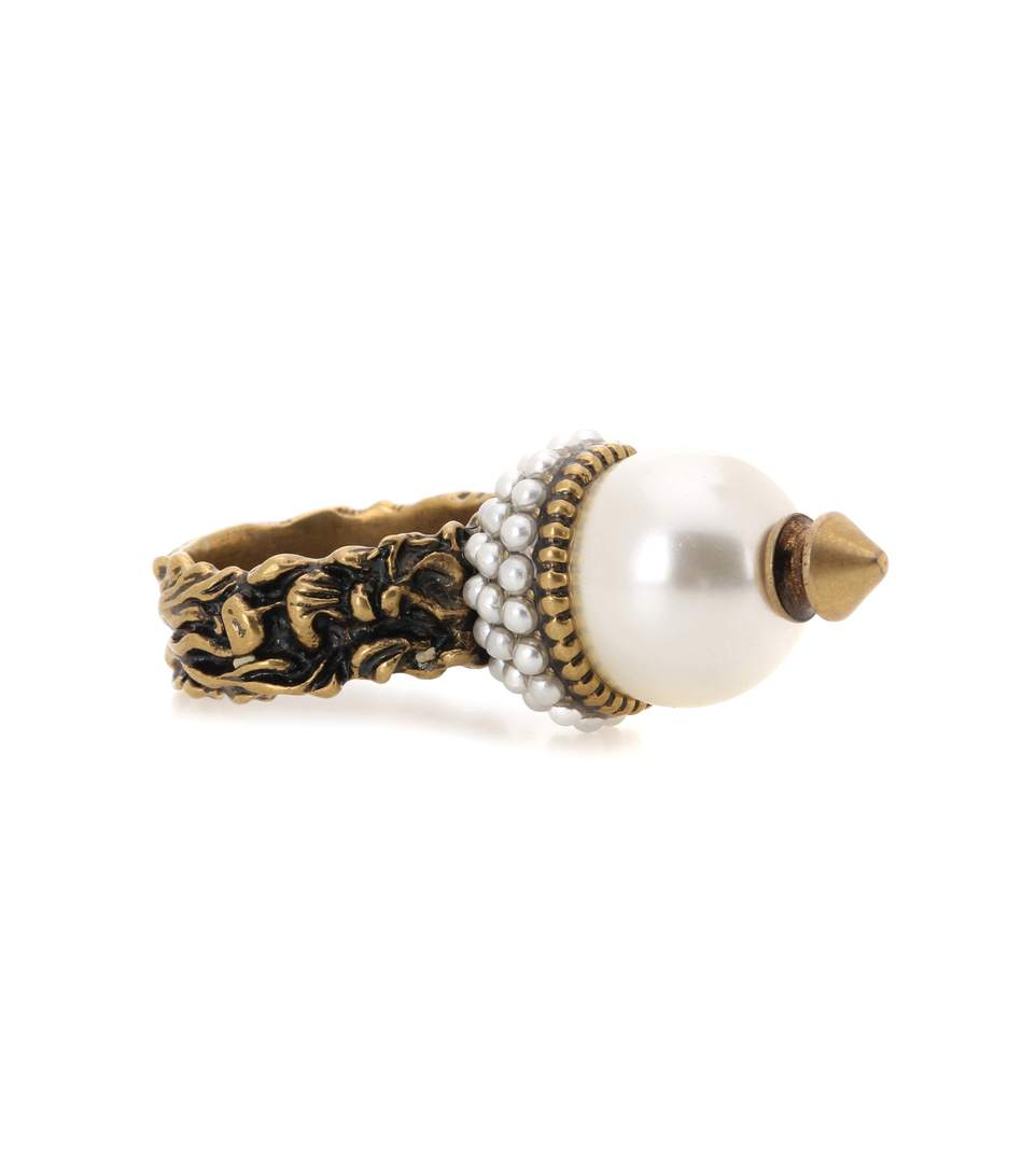 Gucci Textured Ring With Glass Pearls In Gold