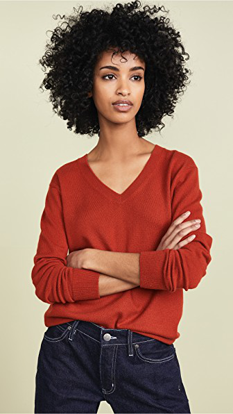 Vince Weekend V Neck Cashmere Sweater In Adobe Red