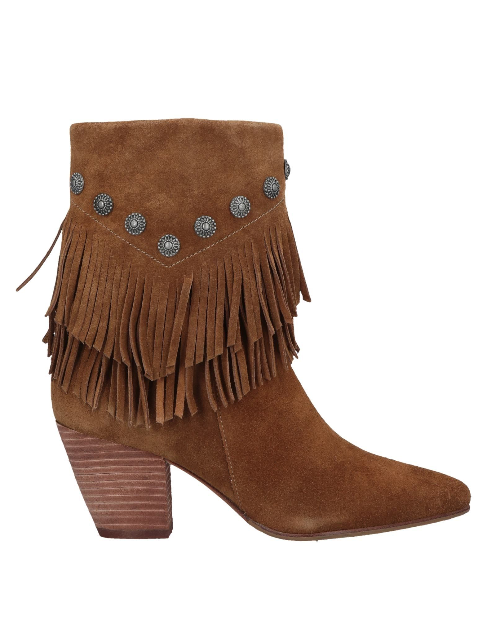 Belle By Sigerson Morrison Ankle Boot In Camel